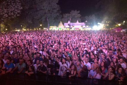 NJEMAČKA TRAŽI 4.000 DOBROVOLJACA Koncert kao korona eksperiment