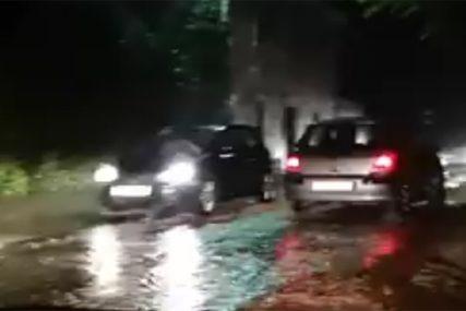 Veliko nevrijeme na Jadranu: Grom pogodio turistu u Istri, Dubrovnik pod  vodom (VIDEO) - Srpskainfo