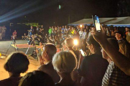 ŽIVI SPOMENIK Debate u ponoć u Trnopolju