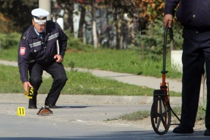 """NESREĆA KOD SRPCA U sudaru traktora i """"Renoa"""" povrijeđeni vozači"""