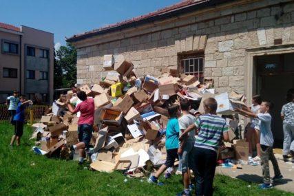 Učenici iz Bileće skupljaju otpad i tokom raspusta
