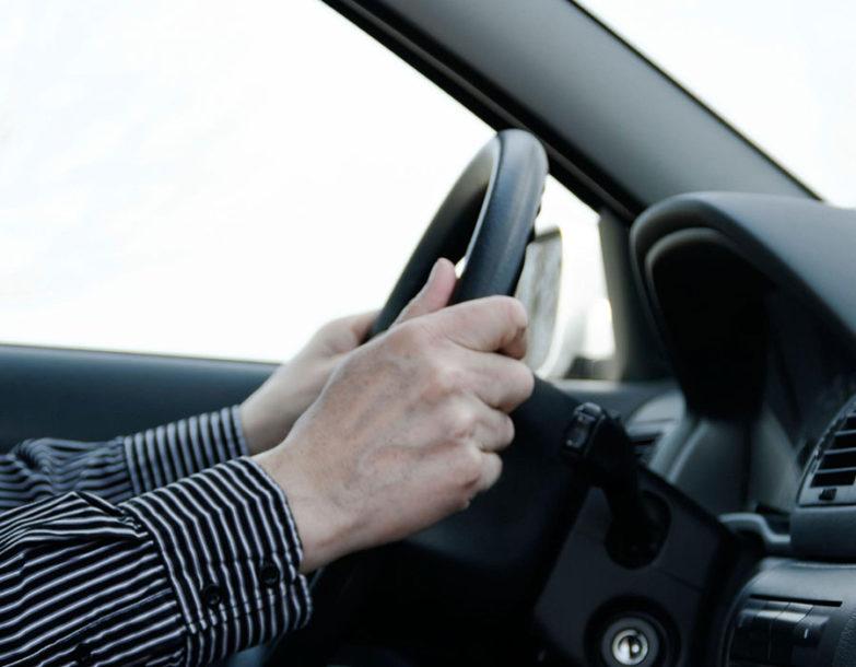 """""""MARŠ, IZLAZI"""" Kad instruktor vožnje u Crnoj Gori pobjesni, to postane HIT U REGIONU (VIDEO)"""