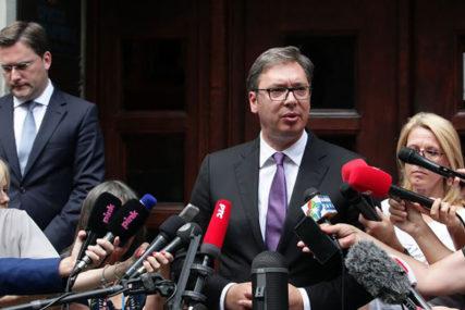 """""""ZA TANGO JE POTREBNO DVOJE"""" Vučić za razgraničenje s Albancima"""