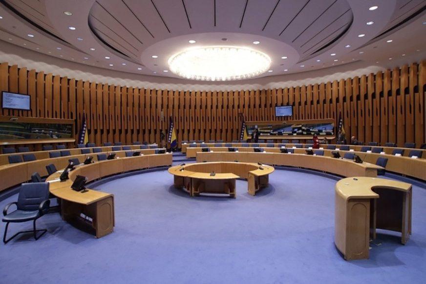HITNA SJEDNICA DOMA NARODA BiH Pred delegatima bitne odluke, čeka se imenovanje članova za Savjet Evrope