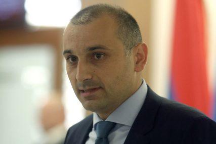 """""""BIĆE JOŠ IMENOVANJA"""" Banjac danas registruje partiju, a već ima direktore u školama i NP """"Kozara"""""""