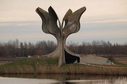 """U Jasenovcu i ove godine u tri kolone """"Dva dana do obilježavanja godišnjice, a vladin protokol još nije gotov"""""""