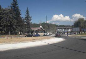UPOZORENJE Zaustavljen saobraćaj na kružnoj raskrsnici
