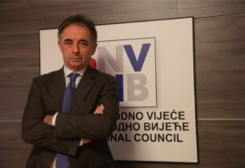 POVEZNICA NDH I HRVATSKE Pupovac: Ustaška znamenja smjestiti u granice zakona