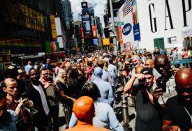 ŽIVE U SAD I NE GOVORE ENGLESKI 67 miliona ljudi kod kuće priča na španskom, kineskom, francuskom...
