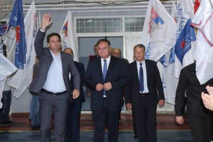 Savez za pobjedu: Lukačeve riječi se ne čuju od ZVUKA RAFALA I EKSPLOZIJA koje odjekuju širom Srpske