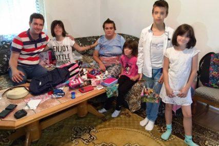 SRPSKAINFO I GRAĐANI USREĆILI MALIŠANE Porodici Vujasin stiže pomoć sa svih strana, djeca dobila ŠKOLSKI PRIBOR I IGRAČKE
