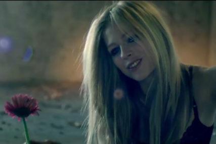 Pjevačica nakon TURBULENTNOG ŽIVOTA riješila da se POVUČE SA SCENE, razlog je TUŽAN