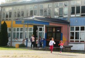 ŠKOLE SVE PRAZNIJE Oko 450 školaraca godišnje odlazi iz Srpske