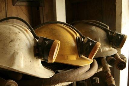 NADAJU SE DOGOVORU O PLATAMA Zenički rudari ni jutros nisi sišli u jame
