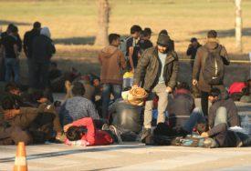 ZVONO ZA UZBUNU Velika Kladuša pred EPIDEMIJOM ŠUGE, a policija tjera one koji liječe migrante