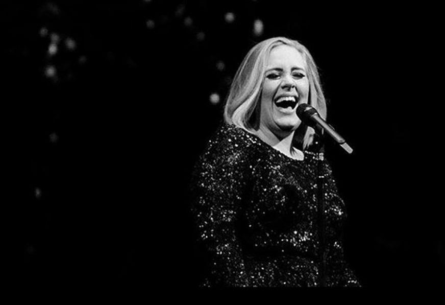 NISU IMALI PREDBRAČNI UGOVOR Nakon razovda pjevačica će bivšem suprugu isplatiti OGROMNU SUMU NOVCA (FOTO)