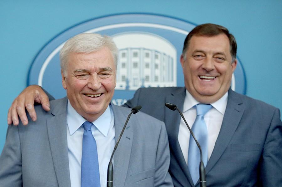 ILI SMO ZAJEDNO ILI NISMO! Dodik poručio DNS-u da će biti odstranjeni iz vlasti ako podrže Šarovića!