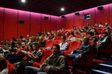 CINEPLEXX PALAS Veče za dame uz film i vino