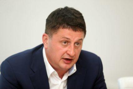 Radović odgovorio Dodiku: Doći će dan kada ćete morati da prikažete imovinu kojom raspolažete
