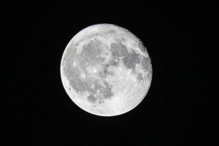 IPAK SE PREDOMISLIO Milijarder obustavio konkurs za saputnicu na putu oko Mjeseca