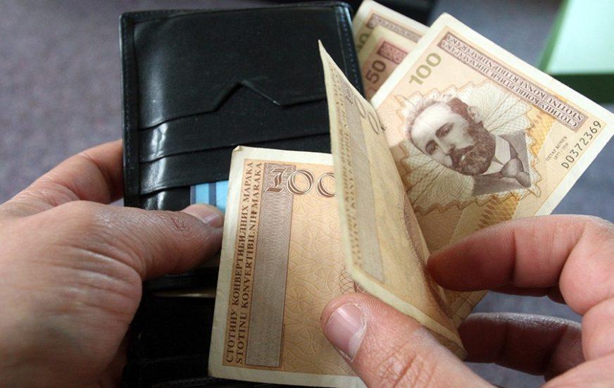 NAJPLAĆENIJI U FINANSIJSKIM DJELATNOSTIMA Prosječna plata za juli u BiH 965 maraka