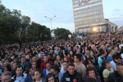 SRPSKAINFO SA GRAĐANIMA Provjerili smo da li Banjalučani vjeruju da izlazak na proteste može donijeti promjene