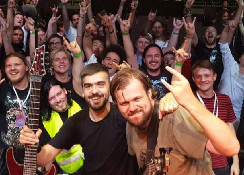 ŽIVI DJEČAČKI SAN Profesor iz Travnika sa svojim bendom svira muziku iz igrica (VIDEO)
