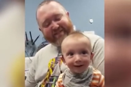 SREĆA NA KOJU NIKO NIJE OSTAO RAVNODUŠAN Gluvonijemi dječak sa 5 mjeseci prvi put čuo glas majke (VIDEO)