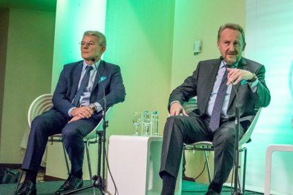 ZAKLJUČCI SDA Osude formiranja komisije o Srebrenici i Sarajevu