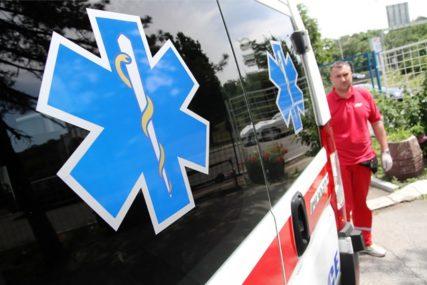 SVI SKOČILI U AKCIJU SPASAVANJA Beba zaglavila glavu u noši, hitna i vatrogasci došli u pomoć