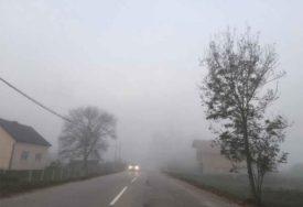 OPREZNO NA PUTEVIMA Jutarnja magla smanjuje vidljivost u dolinama Lašve i Drine