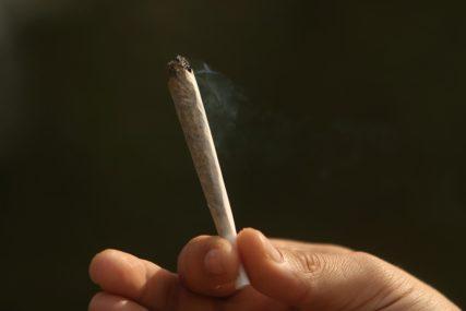AKCIJA POLICIJE U Gradišci zaplijenjena droga, uhapšeni osumnjičeni