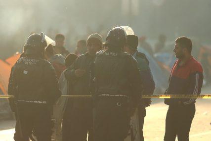 STIGLA SPECIJALNA POLICIJA U Velikoj Kladuši zakazan protest zbog migranata