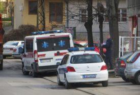 Nesrećni čovjek prevezen u bolnicu: Tročlana porodica osumnjičena za prebijanje starijeg muškarca