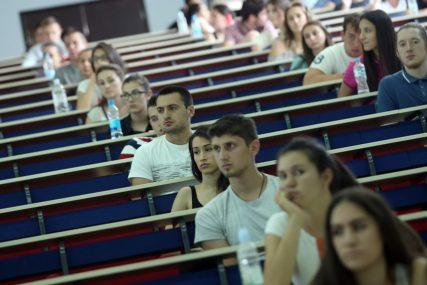 """Studentski prijedlog rješenja za status 1.500 """"STARIH"""" STUDENATA pred poslanicima nakon praznika"""
