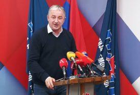 """""""SRAMNO TRAŽENJE IZGOVORA"""" Borenović ogorčen na vladajuću većinu iz Srpske"""