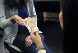 PONOVO IZIGRANI Novac za povećanje plate radnicima završio U DŽEPOVIMA POSLODAVACA