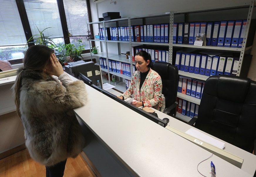 NE ŽELE DA RADE Nezaposleni u BiH najčešće odbijaju poslove prodavača, konobara i frizera