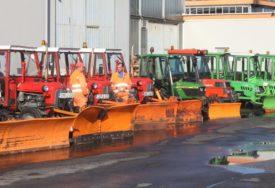 MEHANIZACIJA U PRIPRAVNOSTI Zimska služba spremno dočekuje padavine (FOTO)