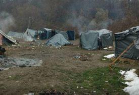 POŽAR UNIŠTIO PRIHVATNI CENTAR Dok se ne sanira šteta migranti će spavati u ŠATORIMA
