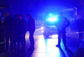 RANJENI MOMAK I DJEVOJKA Svađa u kafiću završila pucnjavom