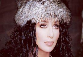 BOLEST JOJ UNIŠTILA KARIJERU Poznata pjevačica je imala milijarde, a sada jedva preživljava