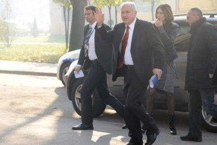 """""""BRUTALNO KRŠIO SPORAZUM"""" Dejton daje za pravo Republici Srpskoj da Incka pozove na raport"""