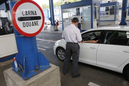 RAMPE NA GRANICAMA Uslovi za ulazak u susjedne države za građane BiH mijenjaju se IZ SATA U SAT