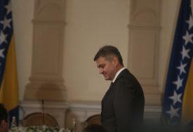 """""""BOGU HVALA, NIJE MI ŽAO"""" Zvizdić o predaji mandata Tegeltiji"""