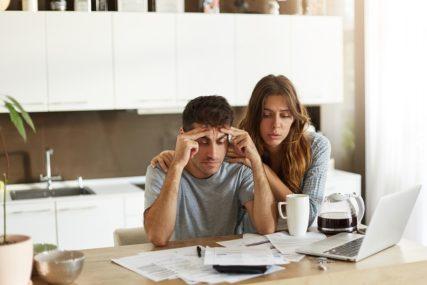 GRAĐANI BiH SVE ZADUŽENIJI Potrošački krediti premašili 7,5 milijardi KM