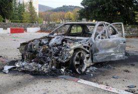 """Tokom noći potpuno izgorio """"mercedes"""" u Trebinju"""