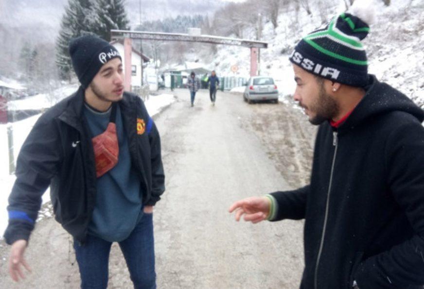 NISU GA USPJELI SPASITI Migrant umro od hladnoće pred policijskom stanicom