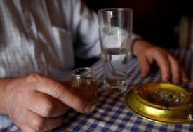 Nakon što je platio kaznu zbog rakije domaćin poručio: POTREBNA ZAŠTITA TRADICIJE i ljudi na selu