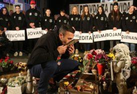 """""""DOSTA JE SUZA"""" Davor Dragičević upozorio da se svima može dogoditi da drži SLIKU UBIJENOG DJETETA (VIDEO, FOTO)"""